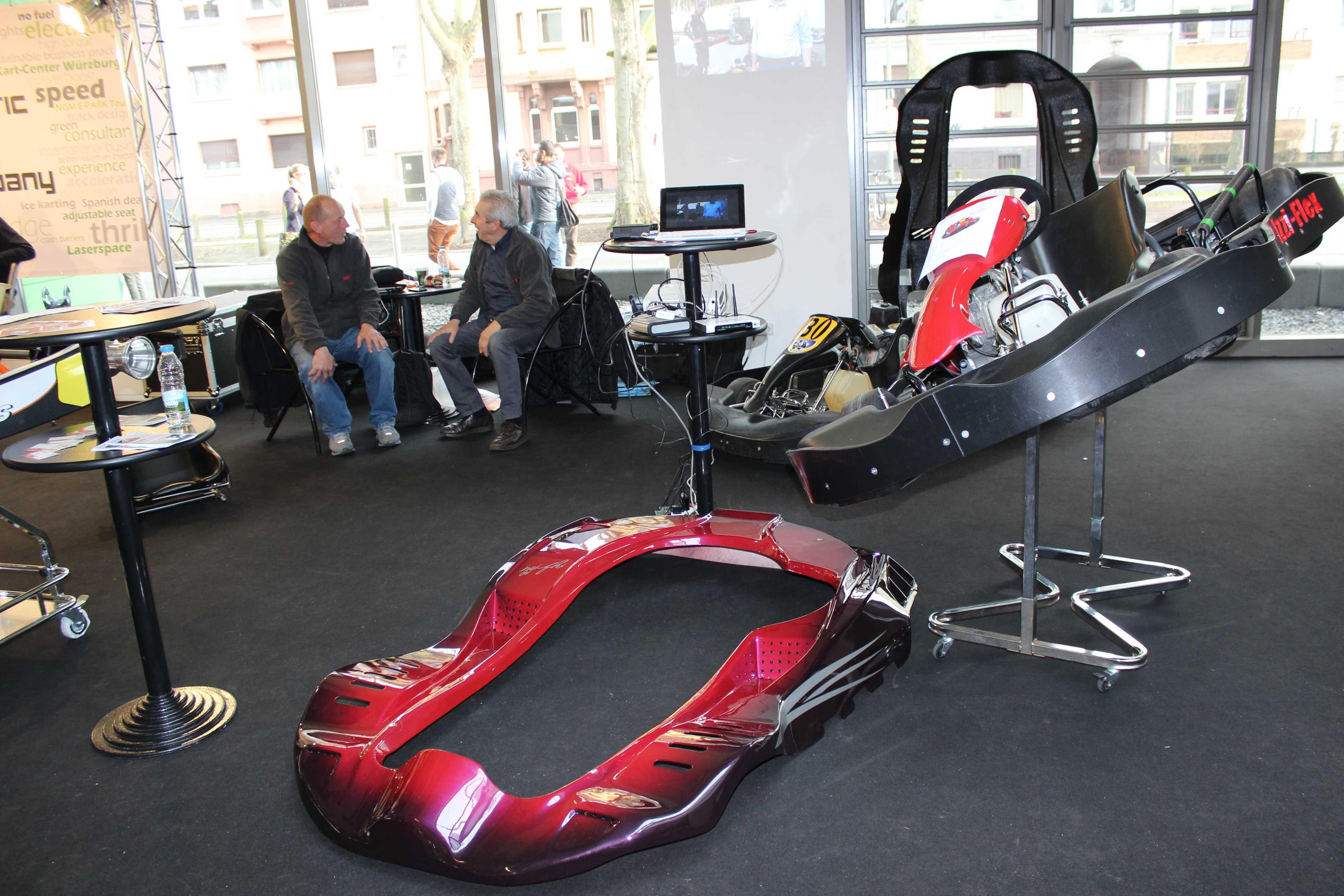 IZZI-FLEX Apresentação na Feira Internacional do Karting Alemanha0