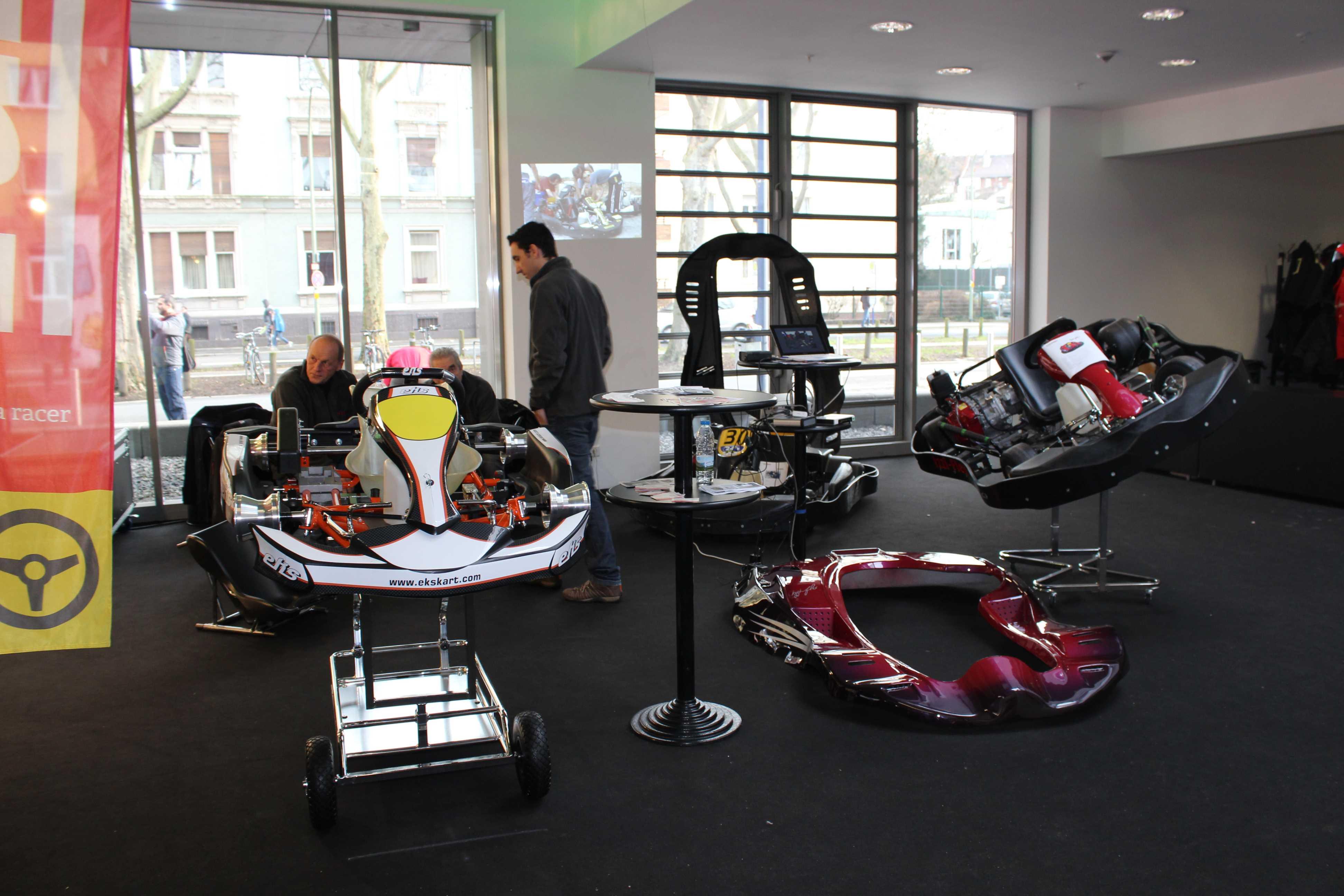 IZZI-FLEX Apresentação na Feira Internacional do Karting Alemanha1