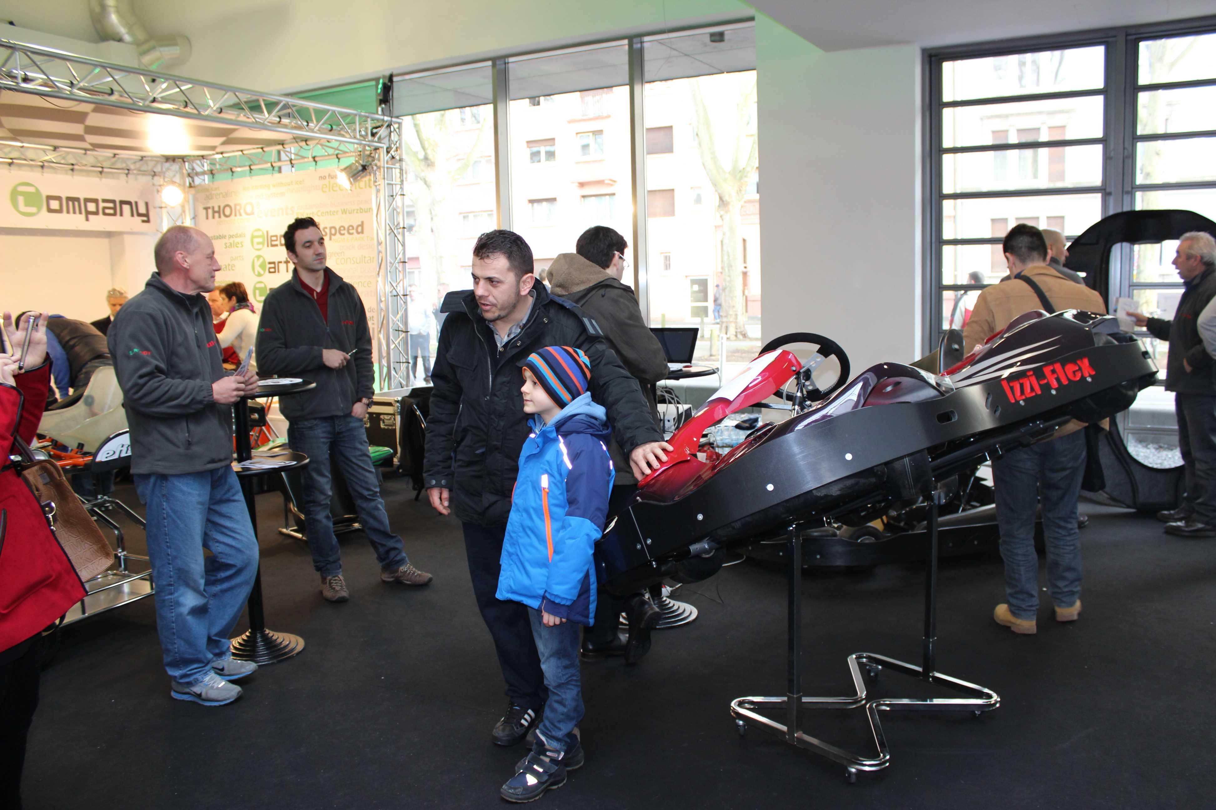 IZZI-FLEX Apresentação na Feira Internacional do Karting Alemanha3
