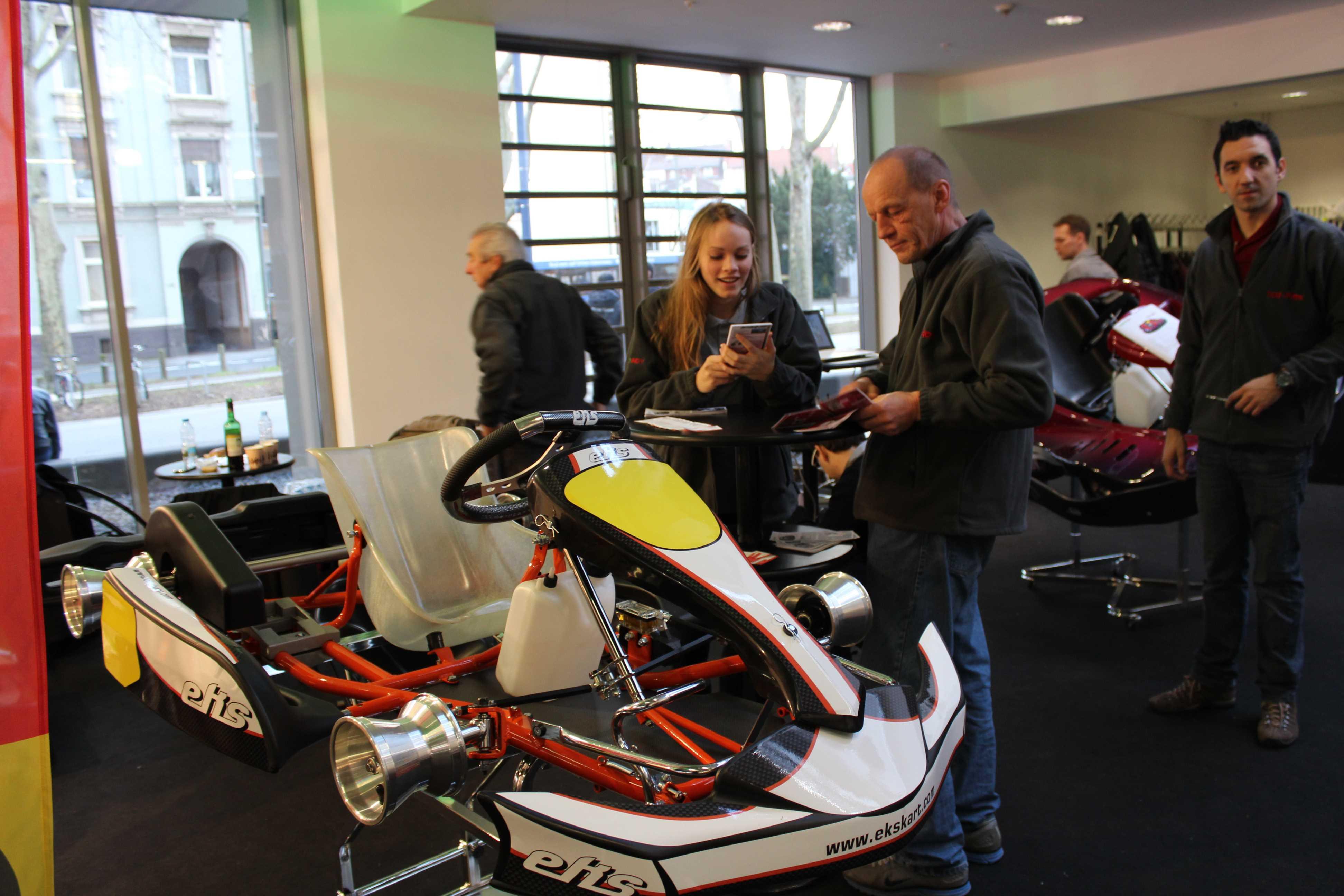 IZZI-FLEX Apresentação na Feira Internacional do Karting Alemanha25